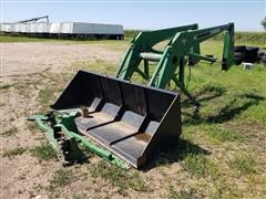 Farmhand F258 Loader