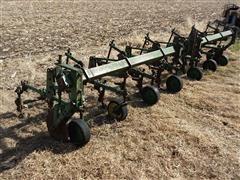 John Deere 630 Cultivator