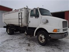 1998 Ford Louisville L8513 Feed/Mixer Truck