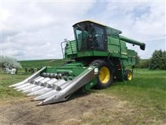 1981 John Deere 7720 Turbo Combine w/ 6 Row Corn Header