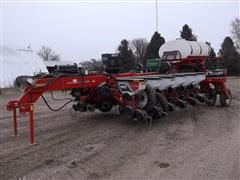 2014 White/Massey Ferguson 9816 Simply Advanced II 16 Row Planter