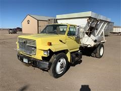 1987 Ford F7000 Feed Truck