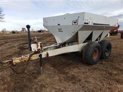 Willmar Super 600 Dry Fertilizer Spreader