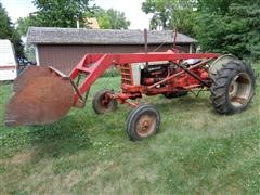 1959 Ford 961 Powermaster 2WD Tractor W/Loader
