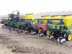 John Deere 7300 12R30 Planter