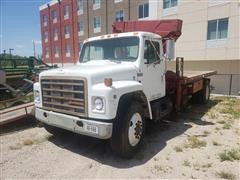 1987 International 1754 S/A Knuckleboom Truck
