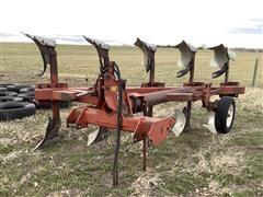 International 5 Bottom Spinner Plow