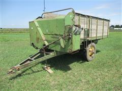John Deere CW Pull-Type Feed Wagon