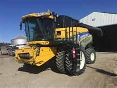 2011 New Holland CR8090 2WD Combine