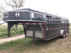 1991 Titan T/A Livestock Trailer