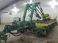 2005 John Deere 1770NT MaxEmerge XP 24 Row Planter