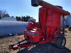 International 1250 Grinder Mixer