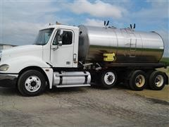 2006 Freightliner Columbia Tri/A Tanker Truck