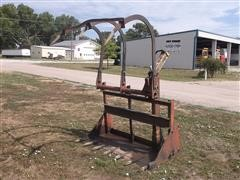 Farmhand F-11 Loader Bucket Grapple Fork/Manure Bucket