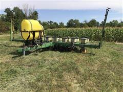 John Deere 7000 8R30 Corn Planter