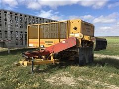 Haybuster S-2000 Square Bale Feeder