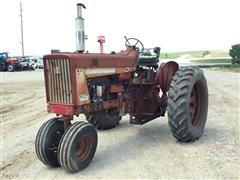 Farmall 706 2WD Tractor