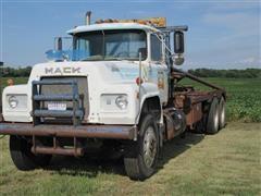 1981 Mack R686ST T/A Truck Tractor w/Winch