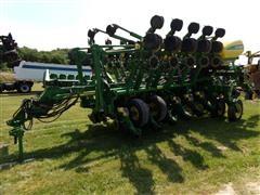 2004 John Deere 1790 16/31 Planter