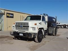 1993 Ford F-700 Water Truck