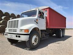 1992 International 8100 T/A Grain Truck