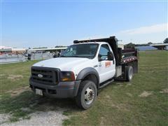 2005 Ford F-450 Dump Truck