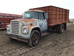 1976 International Harvester LoadStar 1500 S/A Grain Truck