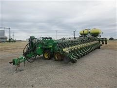 2006 John Deere DB88 50R22 Planter