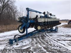 Kinze 2600 12R30 Planter