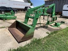 John Deere 148 Loader & Bale Spear