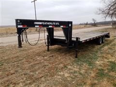 2007 Featherlite 24' T/A Flatbed Trailer