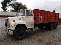 1976 Ford LN800 Grain Truck