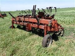 International 183 8RW Folding Cultivator