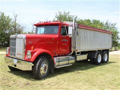 1987 International Eagle T/A Truck W/20' Aluminum Bed