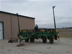 John Deere 7200 6R30 Planter