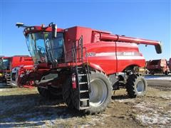 2011 Case International 9120 Combine