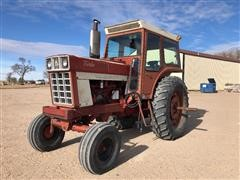 1972 International F1066 2WD Tractor