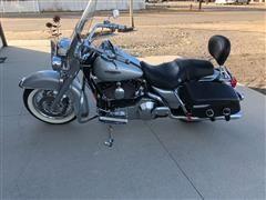 2005 Harley Davidson Road King Classic Motorcycle