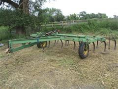 John Deere 100 15' Pull Type Chisel