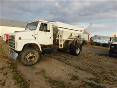 1979 International S Series 2155 Dry Fertilizer Tender Truck
