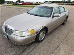 2001 Lincoln Signature Series 4 Door Sedan