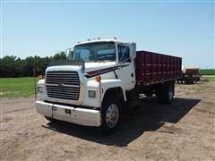 1995 Ford L7000 Grain Truck