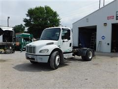 2005 Freightliner M2106 S/A Truck Tractor