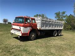 1978 Ford C900 Grain Truck