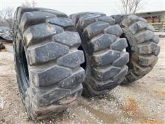 General LD250 26.5-25 Loader Tires