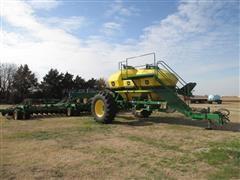 2007 John Deere 1890 Air Seeder Drill W/John Deere 1910 3 Commodity Bin Cart