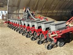 2011 Case IH 1230 Early Riser Planter