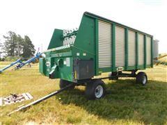 Badger 1200 18 Forage Feeder Wagon
