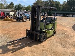 Clark CGP25 Forklift