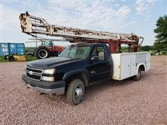 2006 Chevrolet K3500 4X4 Utility Truck With Well Pulling Hoist